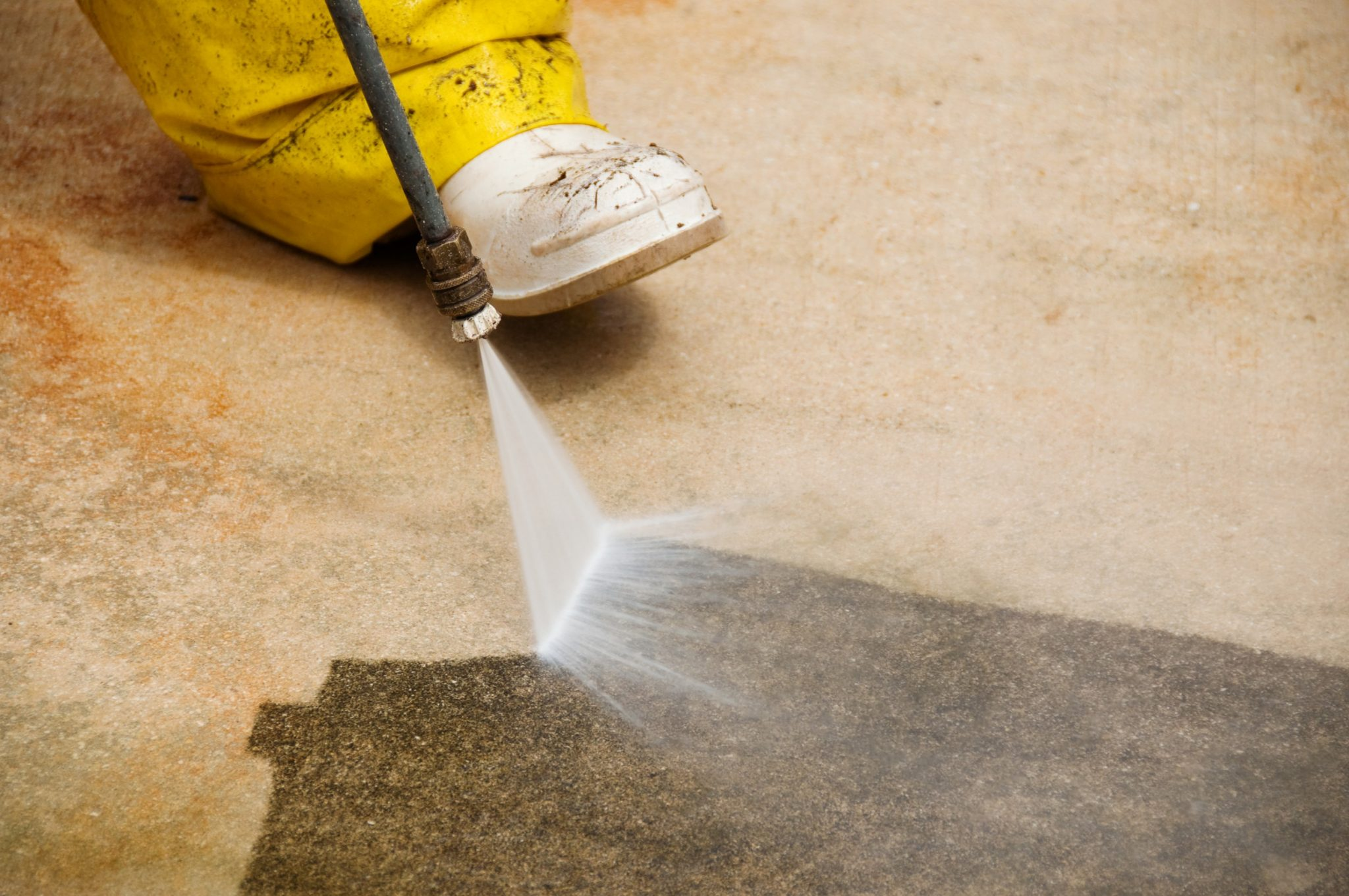 How to Perfectly Pressure Wash Your Paved Driveway